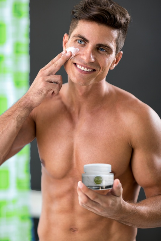 https://myglamy.de/com/men-care/223/caligu-men-nature-cosmetics-die-maennercreme-innovative-hautpflege-verjuengende-gesichtscreme-optimum-for-men-s-skin-100-natur-inhaltsstoffe-50ml-im-glas