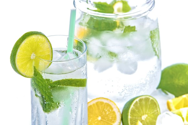 mineral-water-lime-ice-mint-1588219exlUvyyYbP3s